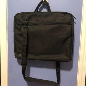 Black laptop carrying case